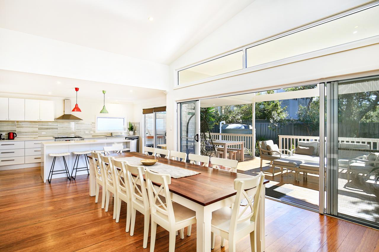Calming Waters - Pet Friendly - 3 Min Walk to Beach - Accommodation Brisbane