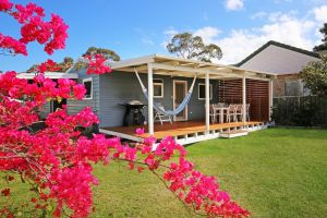 Hayes Beach House - Jervis Bay - Pet Friendly - Accommodation Brisbane