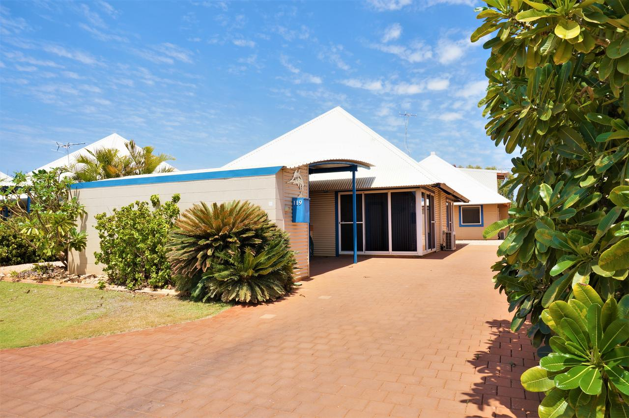 Osprey Holiday Village Unit 119 - Close to the pool - Accommodation Brisbane