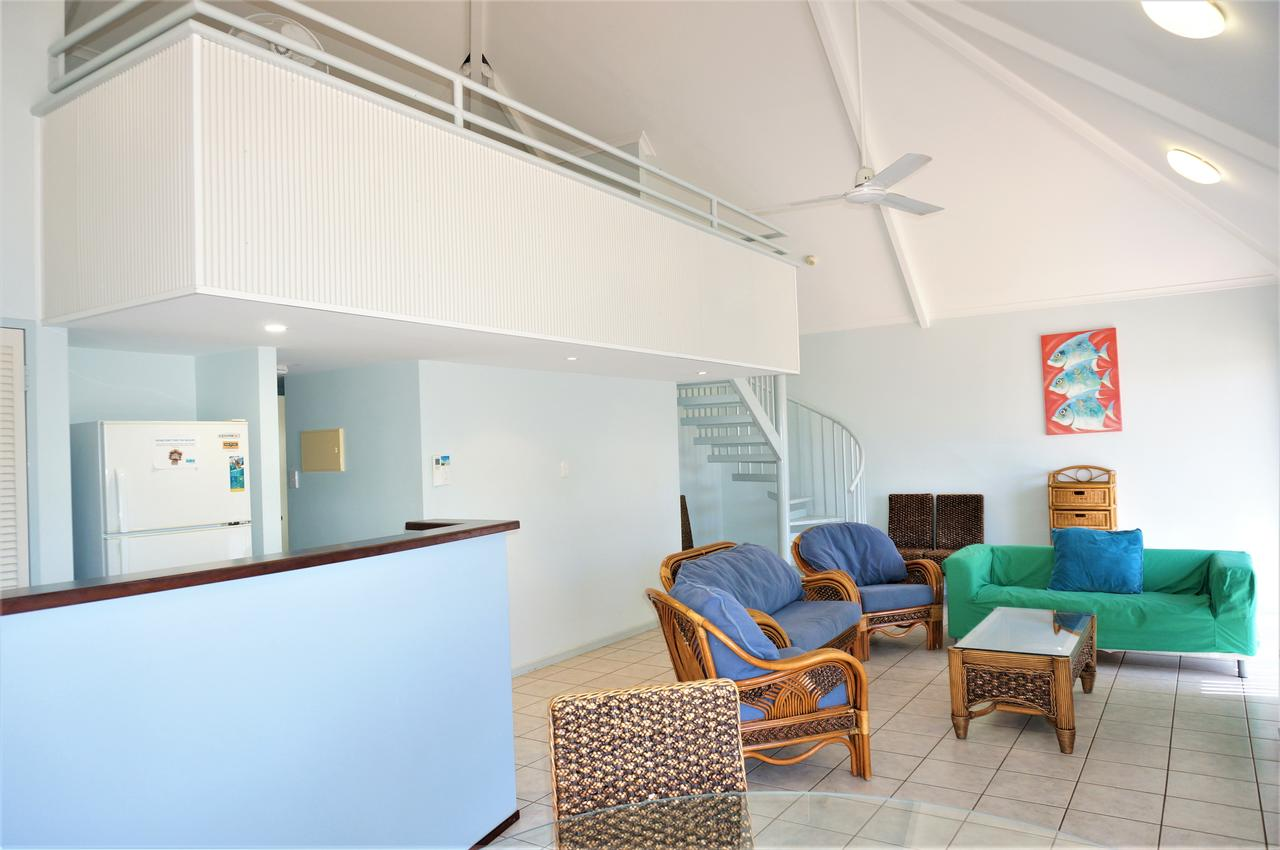 Osprey Holiday Village Unit 120 - Plenty of room for a large family - Accommodation Brisbane