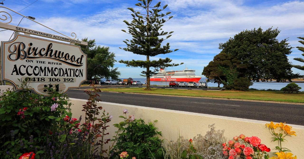 Birchwood Devonport self-contained self catering accommodation - Accommodation Brisbane
