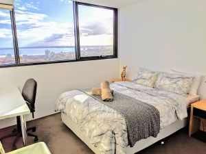 Homestay Ocean View with Gym Sauna - Accommodation Brisbane